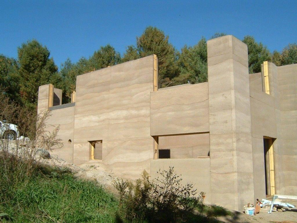 Здания из дров: плюсы, минусы, проекты домов из глиночурки