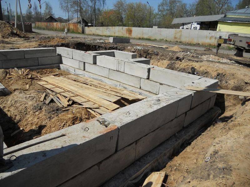 Как сделать опорно-столбчатый фундамент из бетонных блоков
