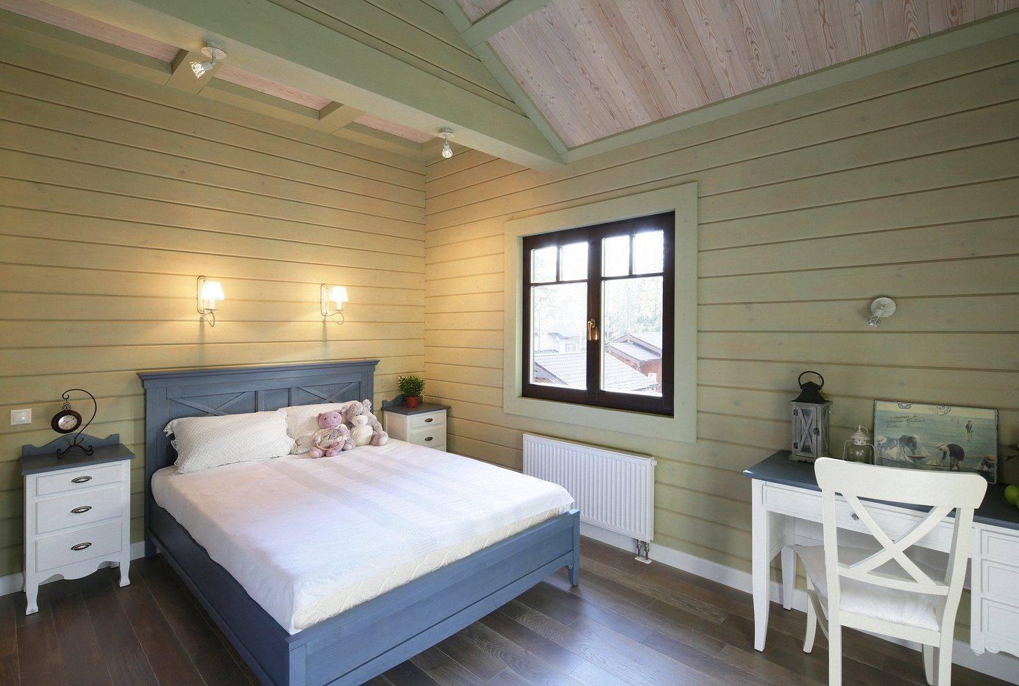 Чем покрасить деревянный дом внутри: советы по выбору лакокрасочных покрытий