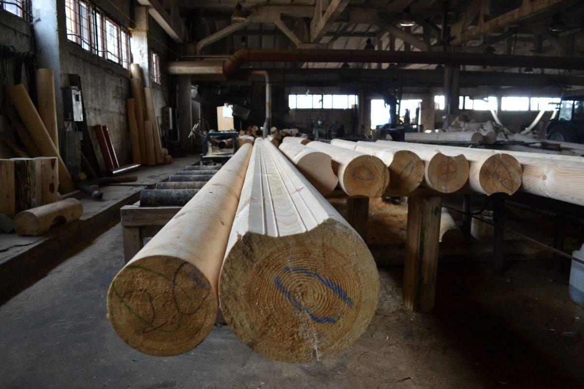 Особенности бизнеса по производству оцилиндрованного бревна: помещение, сырье и технологический процесс
