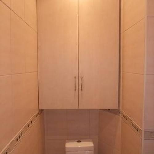 Варианты встраиваемого шкафа в туалете