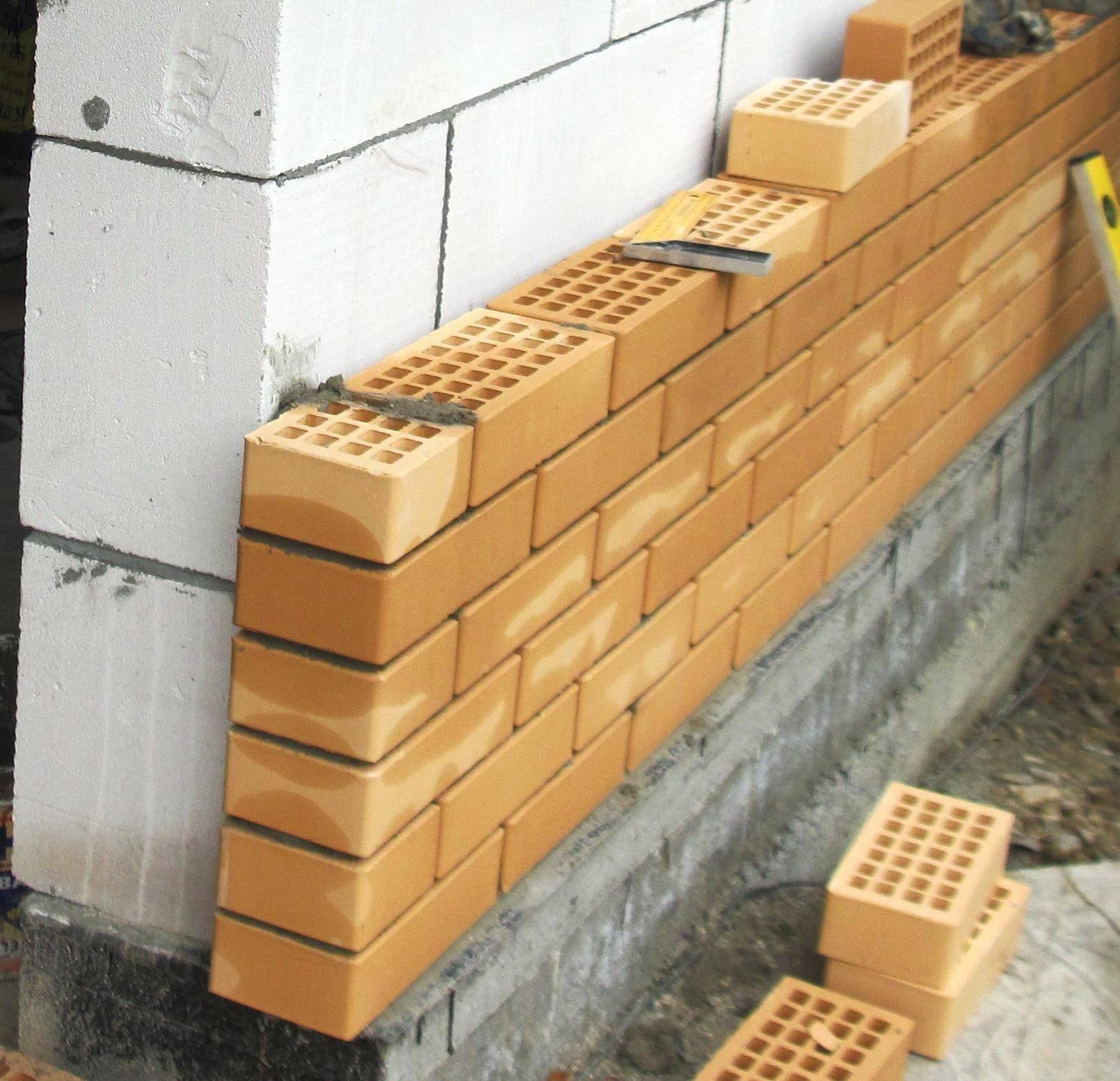 Дом из силикатного кирпича: строительство и утепление