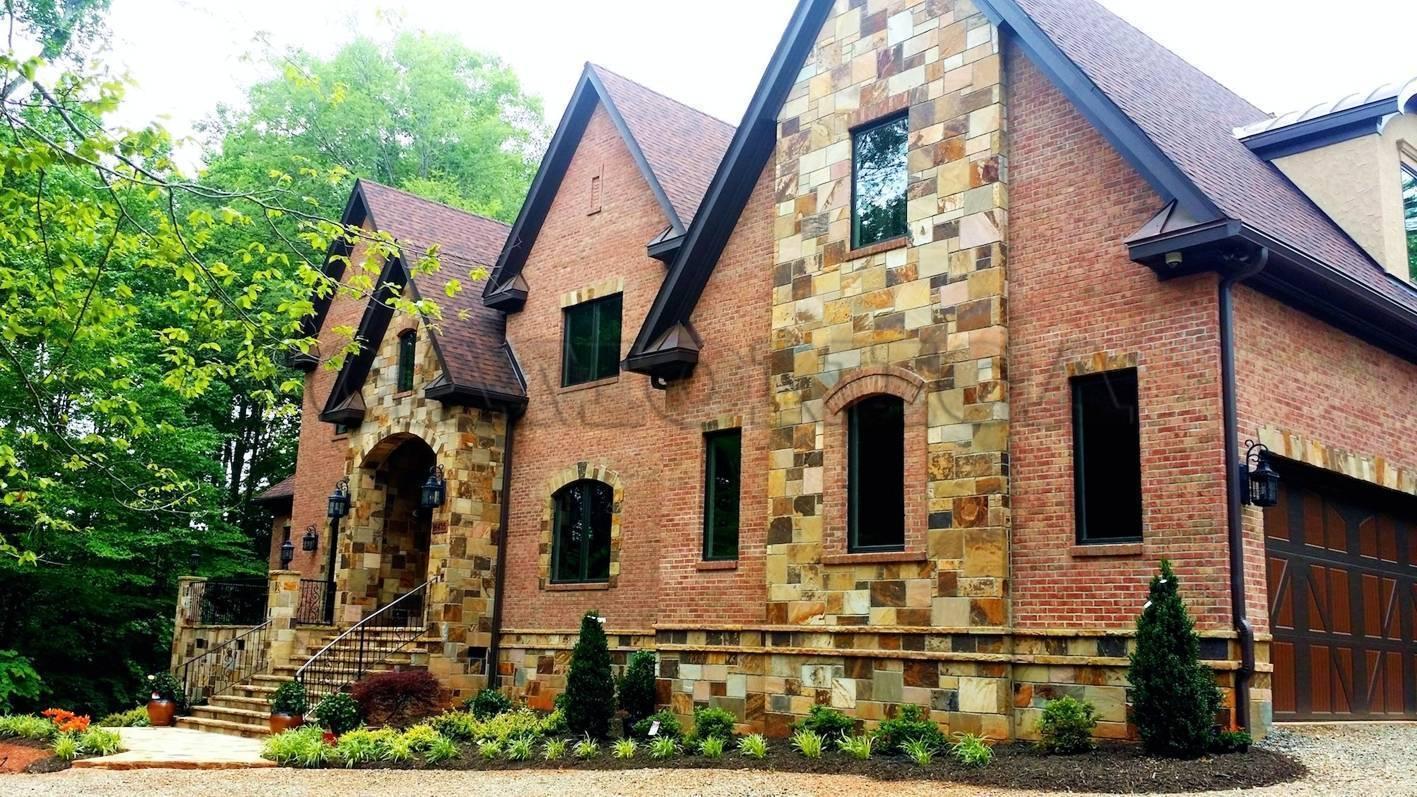 Из какого камня строят дома. популярные виды натурального камня для строительства и их особенности