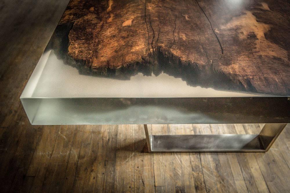 Столешница из эпоксидной смолы своими руками: как выбрать материалы, подготовить деревянную поверхность, осуществить изготовление основы и заливку