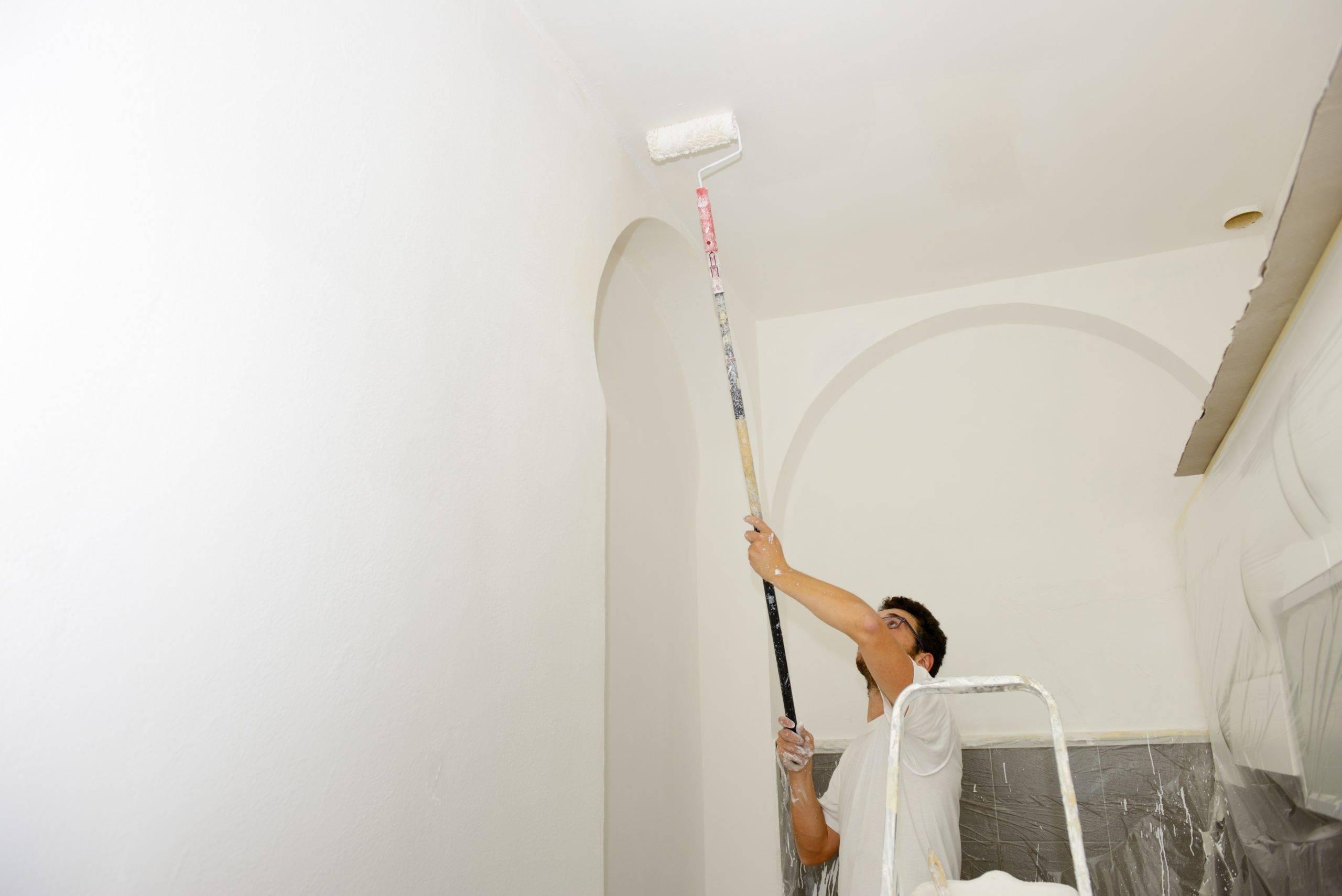 Стоимость покраски стен за м2, цена услуг частного мастера в москве и подмосковье