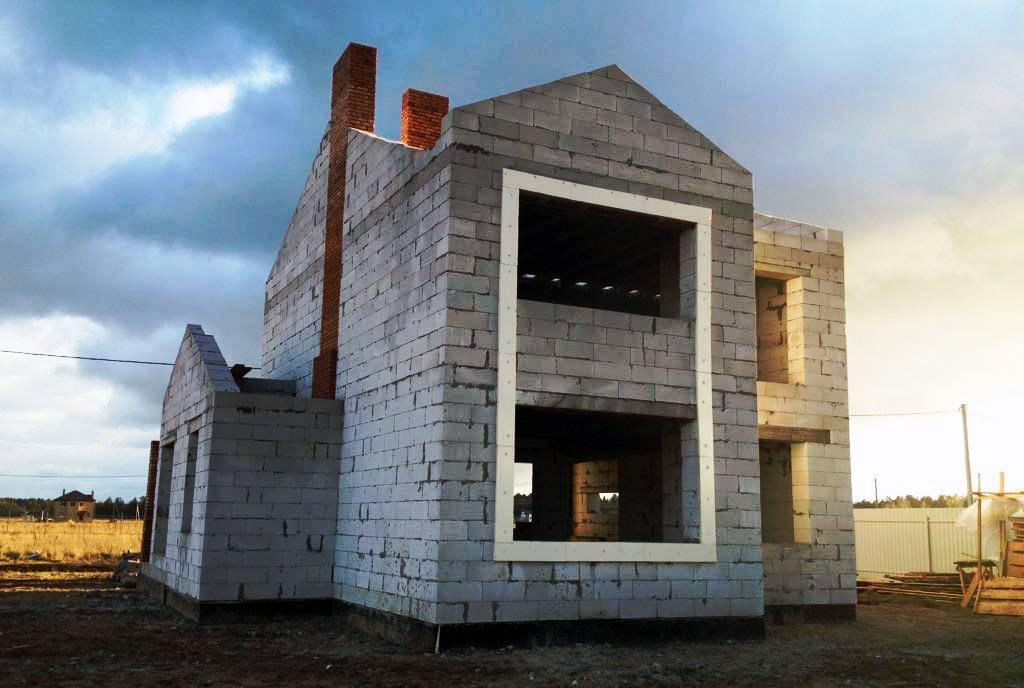 Основные моменты, которые следует учитывать при строительстве дома из газобетона