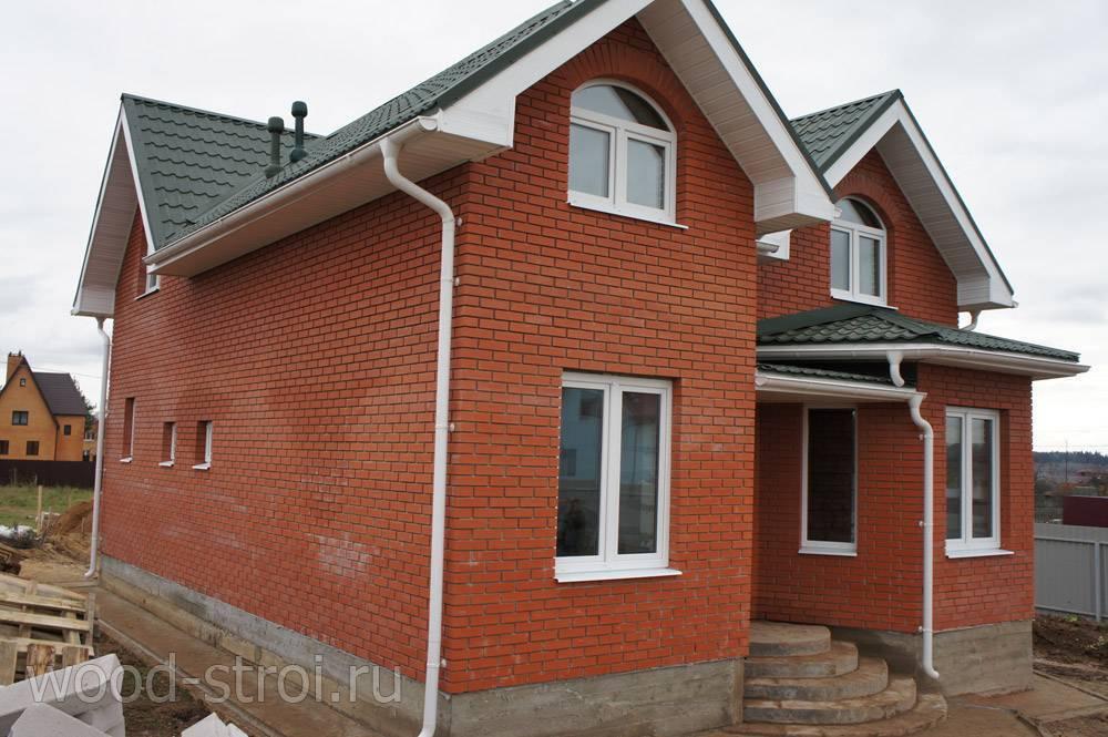 Дизайн облицовки дома кирпичом (33 фото): варианты оформления дома облицовочным кирпичом, виды кирпичной кладки