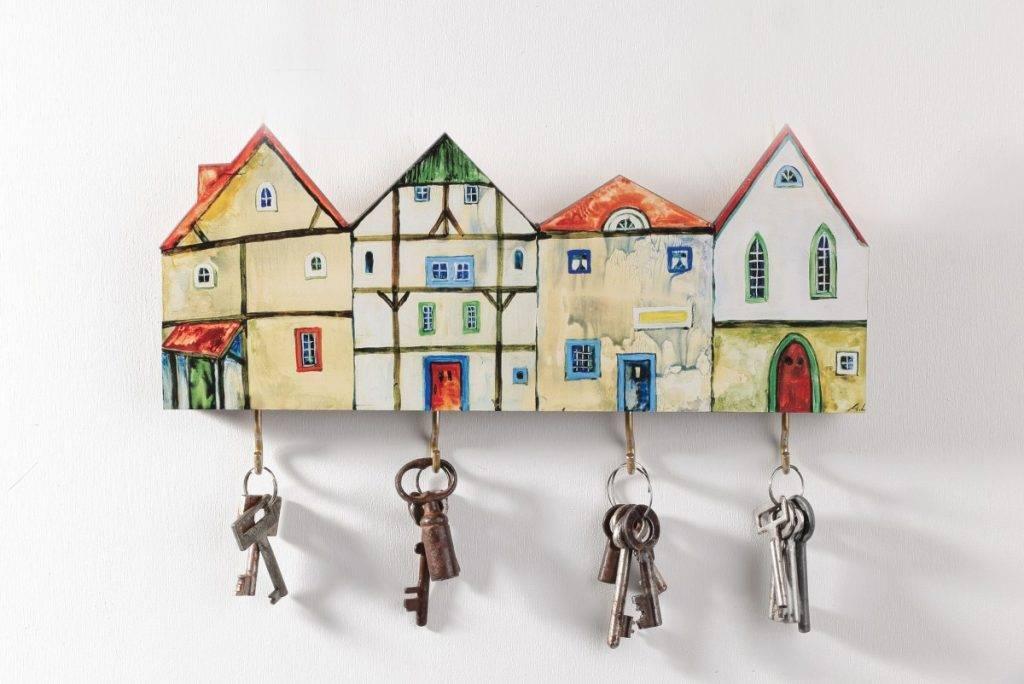 Как выбрать настенные ключницы в прихожую - подбираем дизайн