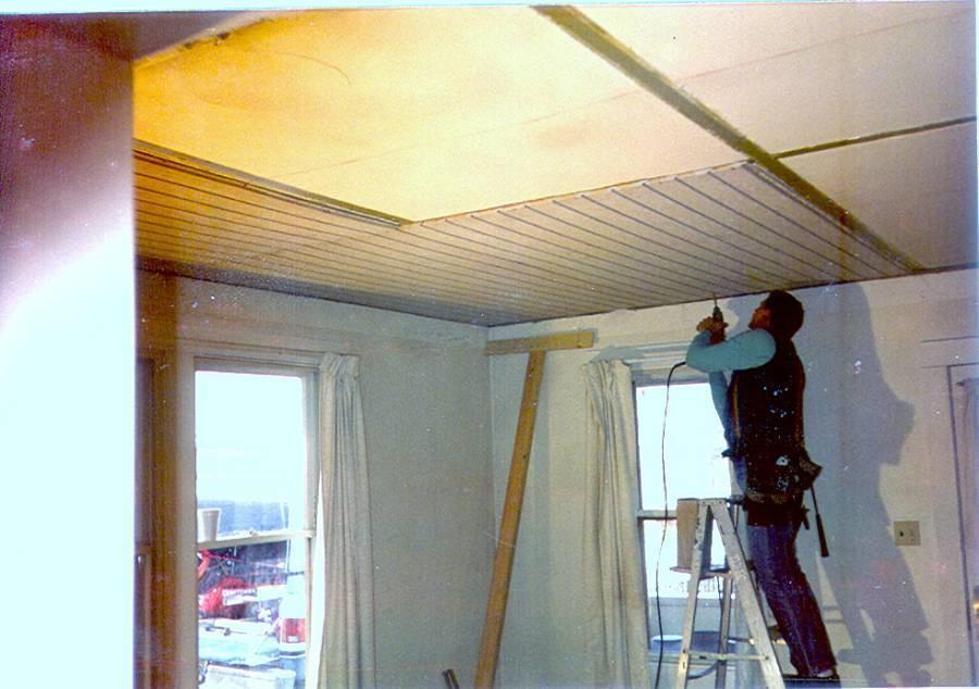 Как сделать потолок из сайдинга своими руками в ванной комнате и кухне: секреты идеального ремонта