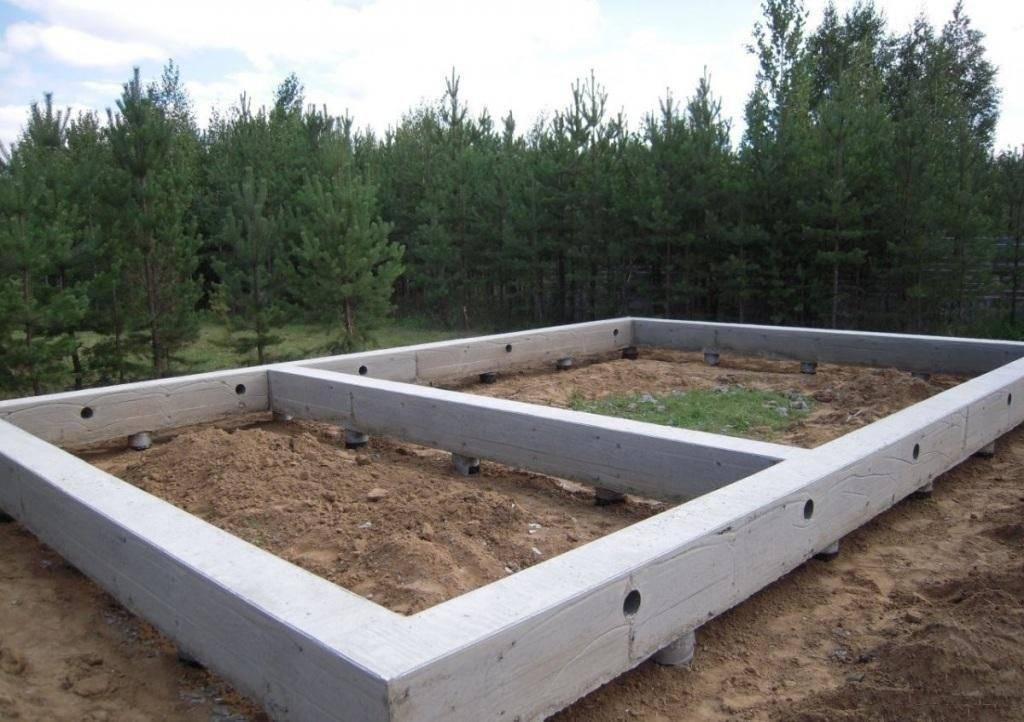 Что лучше бетонный ленточный фундамент или винтовые сваи
