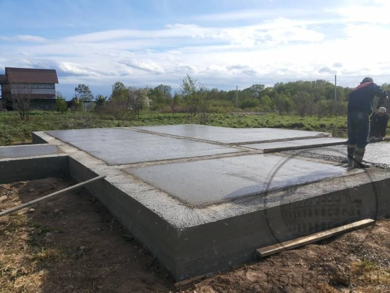 Ленточный фундамент с монолитной плитой