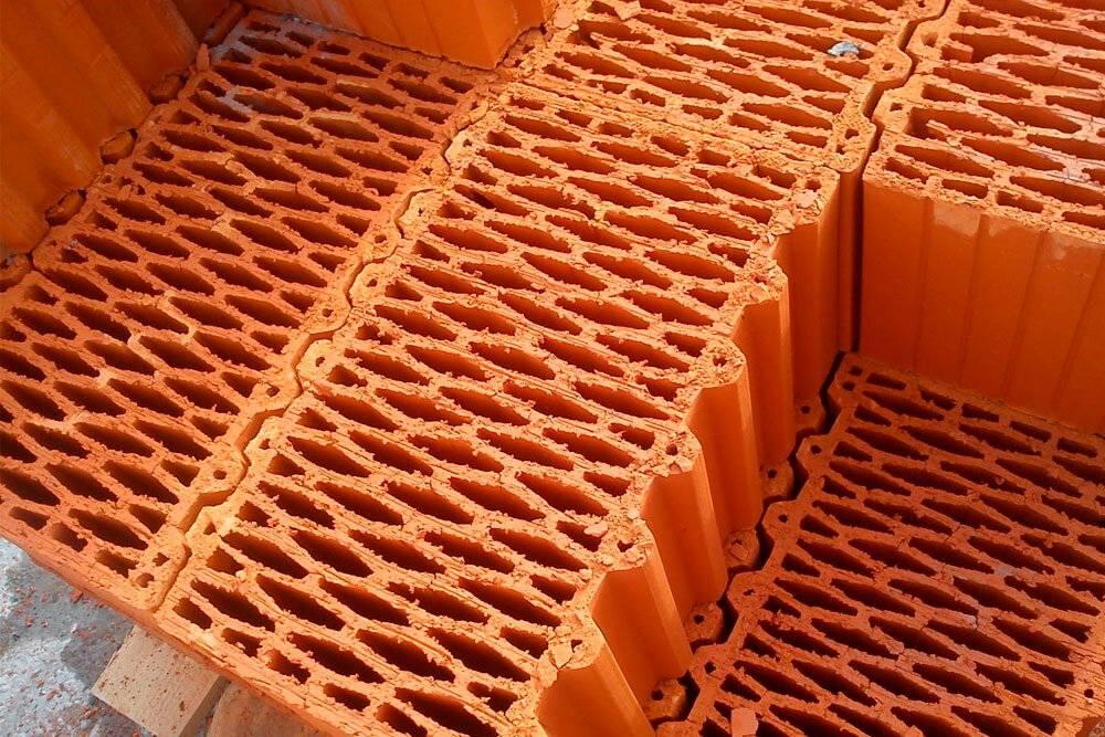 Сравнение газобетона и теплой керамики - обзор характеристик