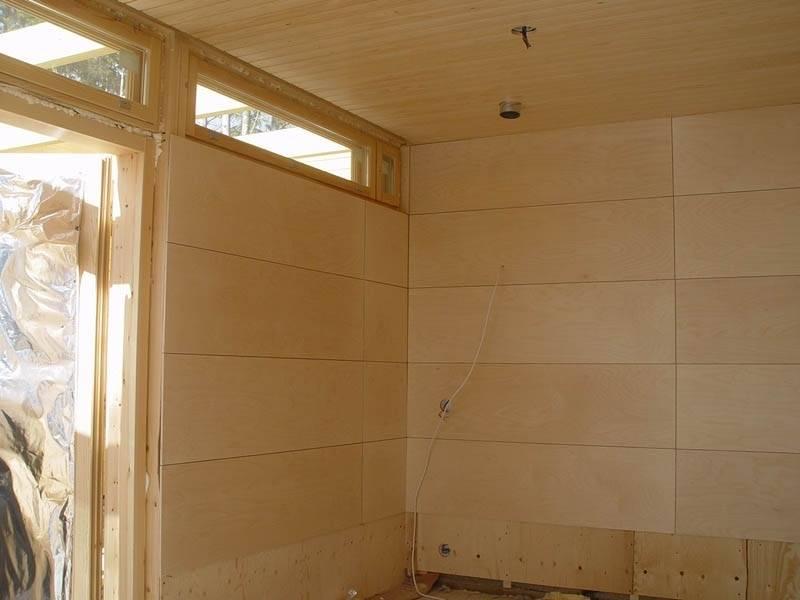 Чем обшить потолок в деревянном доме внутри