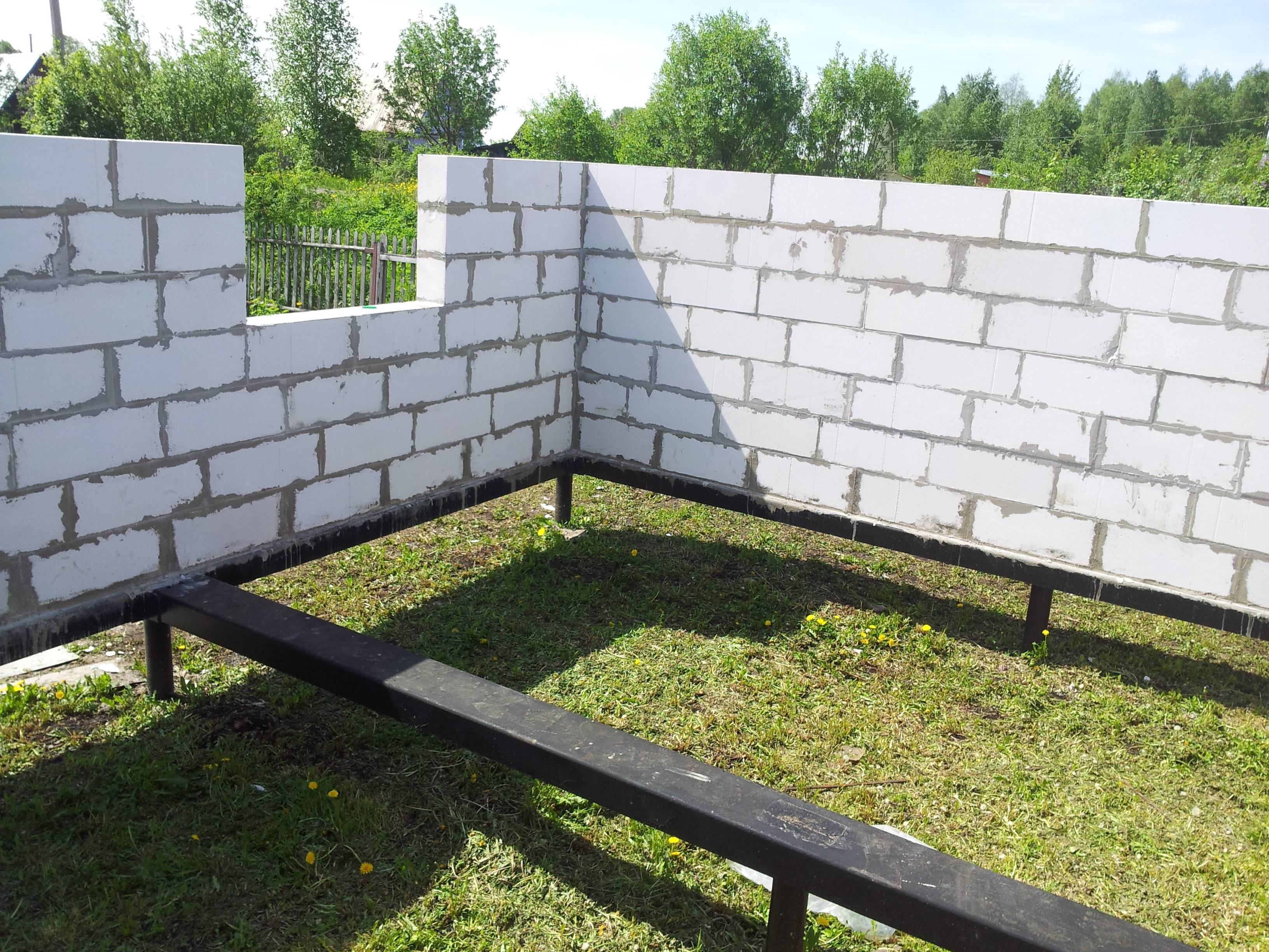 Строительство разных домов на свайно-винтовом фундаменте