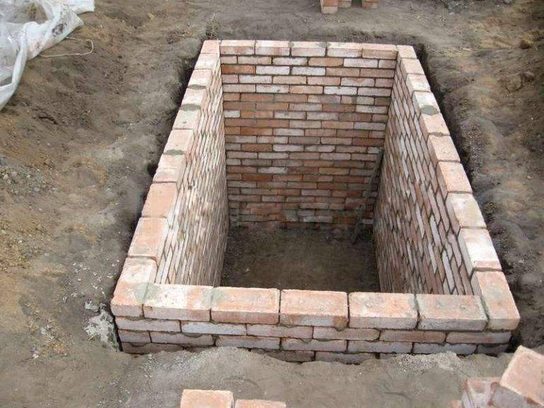 Погреб из бетонных колец своими руками: два типа, фото