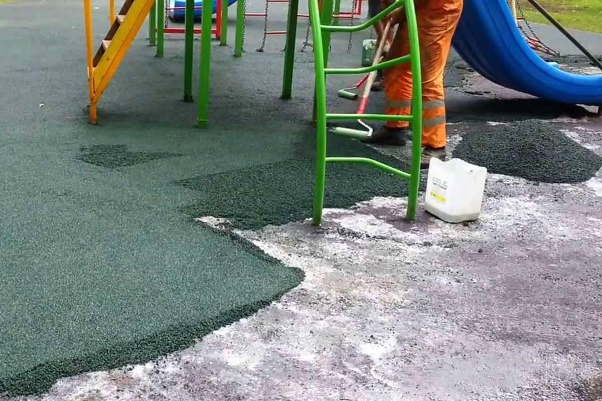 Безопасное покрытие для детских площадок вместо асфальта