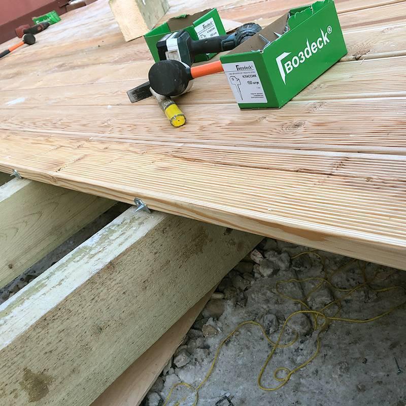 Монтаж террасной доски из лиственницы, из дпк: инструкция и технология