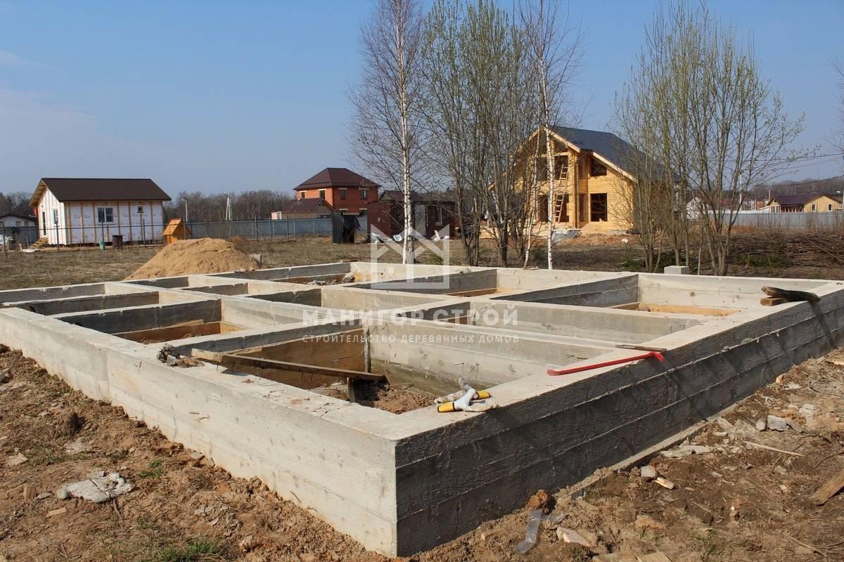 Фундамент для дома из бруса: какой выбрать и как сделать