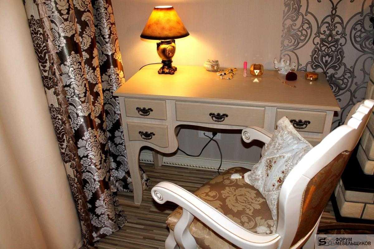Трюмо с зеркалом в спальню: фото, туалетный столик или трельяж с подсветкой