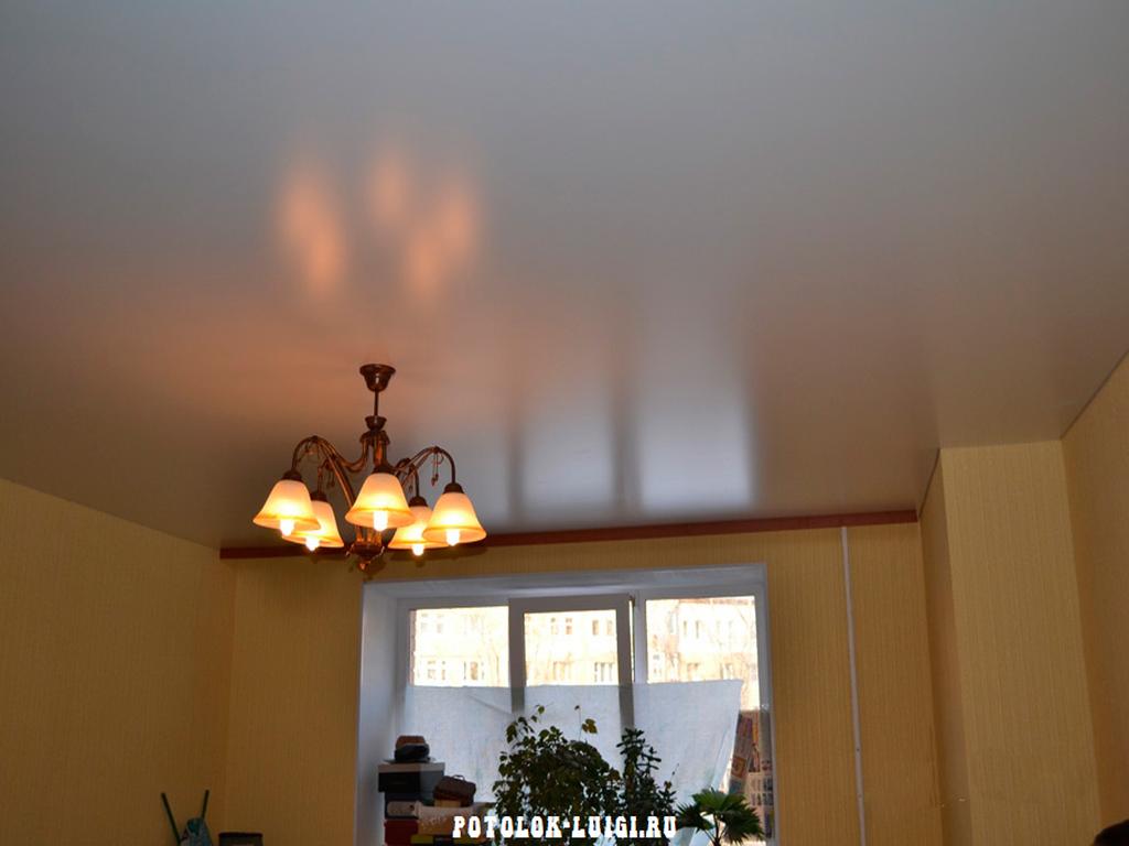 Cитцевые натяжные потолки - плюсы и минусы