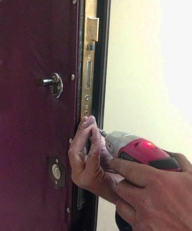 Регулировка входных дверей: металлических, пластиковых