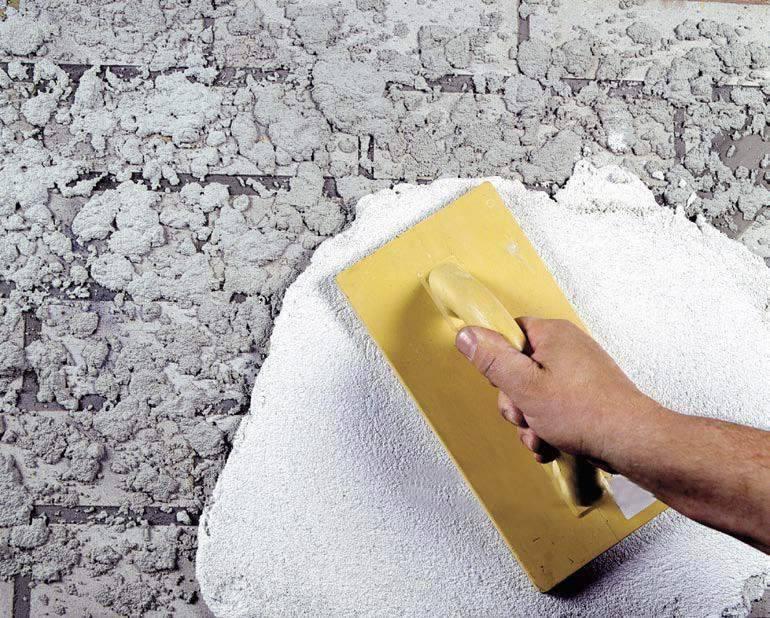 Как правильно шпаклевать стену – как отшпаклевать