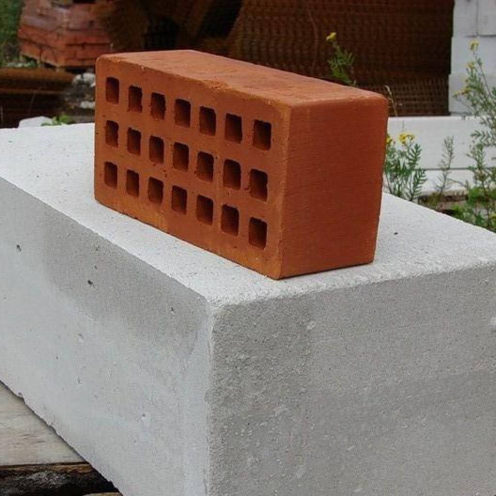 Что лучше: газобетон или керамические блоки, пенобетон, кирпич, керамзитобетон, брус?