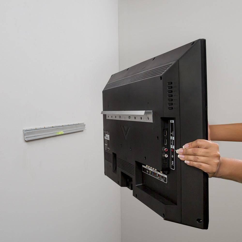 Как повесить телевизор на стену при помощи кронштейна