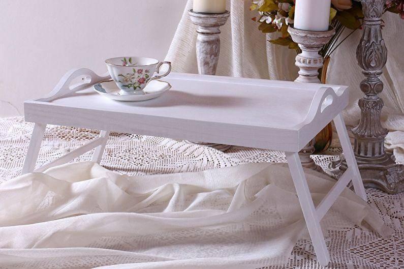 Кроватный столик для завтрака в постель