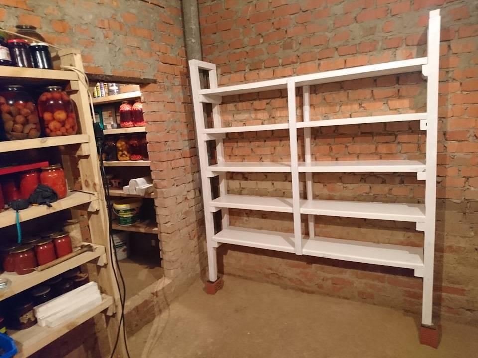 Полки в гараже: фото, варианты - настенные, подвесные, под потолком, как сделать из уголка своими руками, чертеж самодельных полок