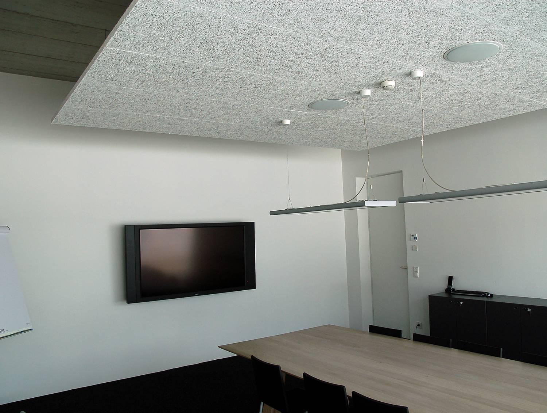 Акустические потолки в шумоизоляции жилого помещения