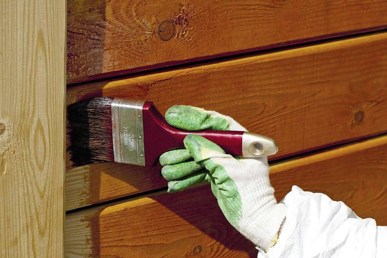 Чем и как покрасить снаружи деревянный дом