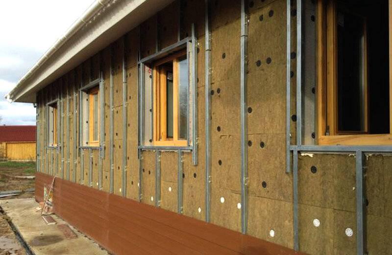 Утепление деревянного дома снаружи пенопластом: особенности