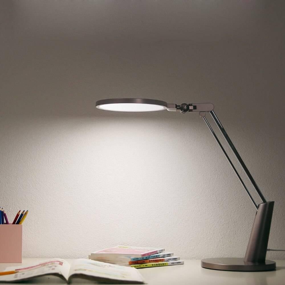 Настольная лампа для детского стола или рабочего кабинета: как выбрать по мощности с внешнему виду, классификация и необычные варианты сочетания освещения в помещении