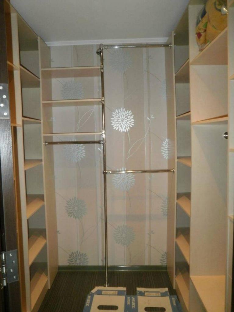 Гардеробная из кладовки (84 фото): как сделать и обустроить вместительный гардероб в квартире панельного дома, варианты в прихожей