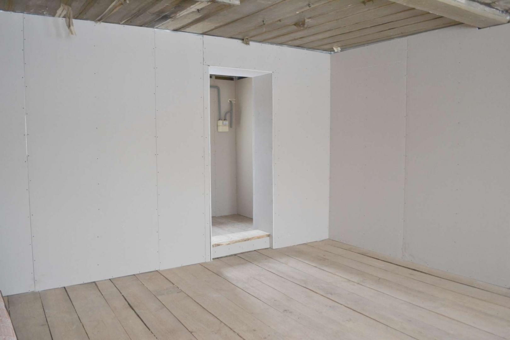 Чем лучше обшить деревянные стены внутри: гипсокартон, вагонка или панели