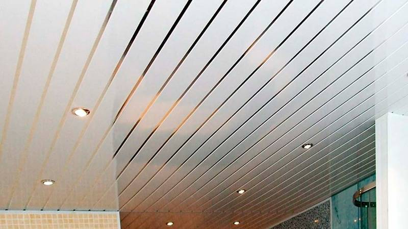 Реечные потолки в ванной комнате: пошаговая инструкция по монтажу с фото