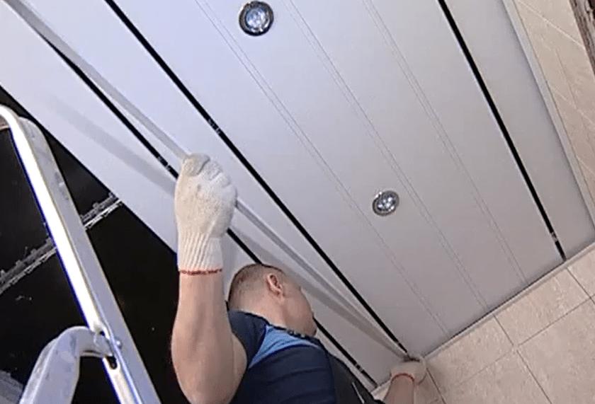 Монтаж реечного потолка своими руками: инструкция, видео, фото, особенности