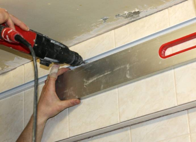 Демонтаж подвесного потолка от а до я: снимаем и разбираем потолок вместе