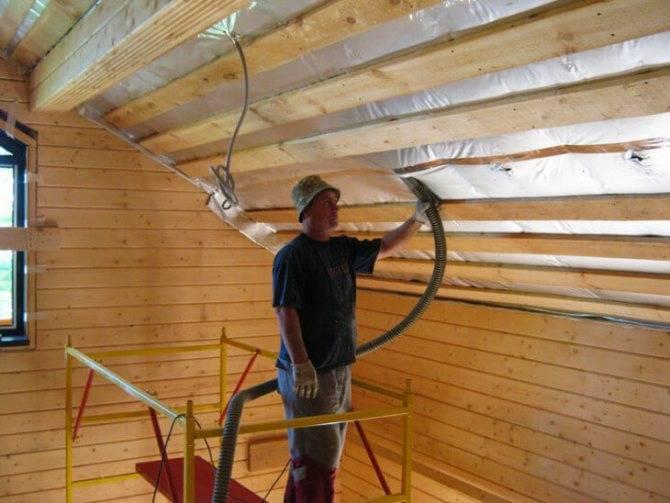 Черновой потолок по деревянным балкам — как правильно подшить доской в частном доме, черновая отделка потолка в деревянном доме, подшивка фанерой по балкам, как сделать