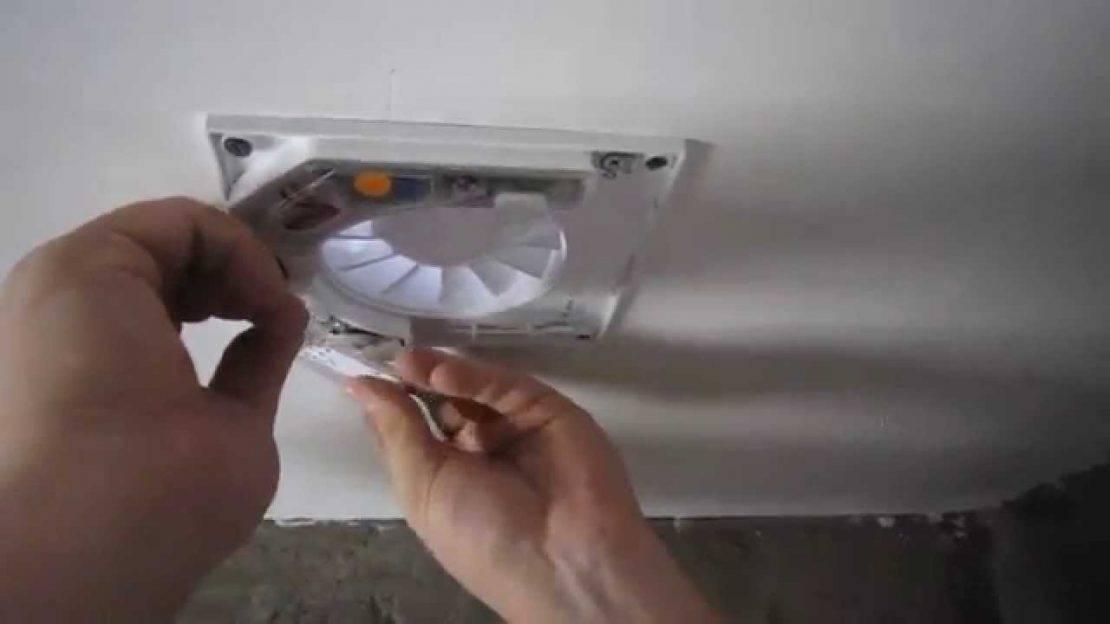 Установка вентилятора в ванную комнату в потолок