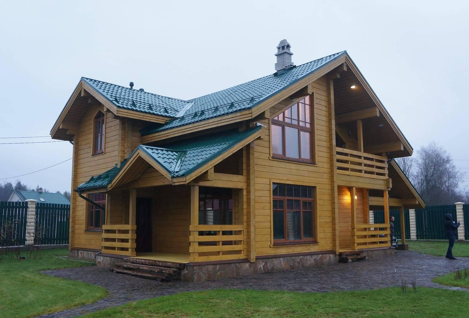 Какой дом лучше кирпичный или деревянный: плюсы и минусы каждого
