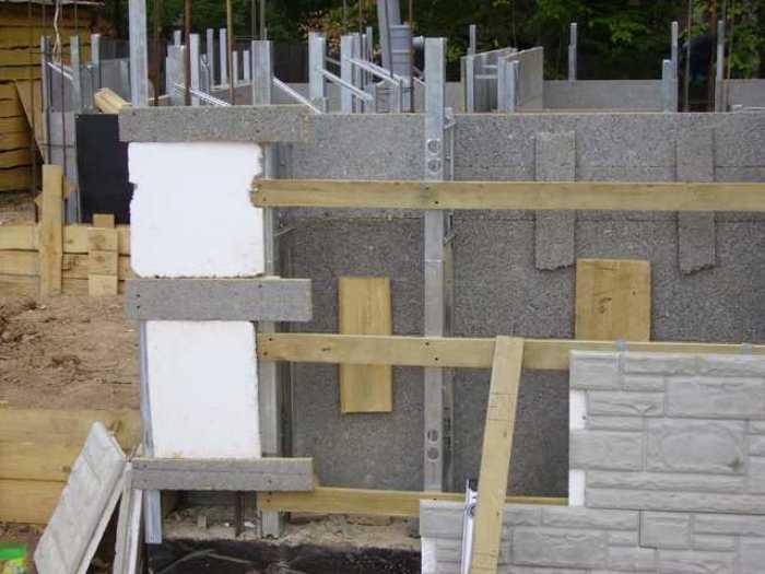 Монолитный дом: плюсы и минусы монолитного строительства, отличие от панельных и блочных домов, какая технология лучше