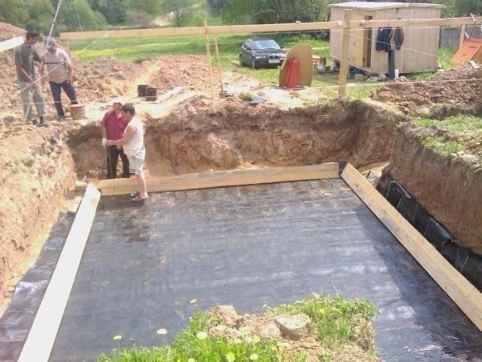 Как построить цокольный этаж дома