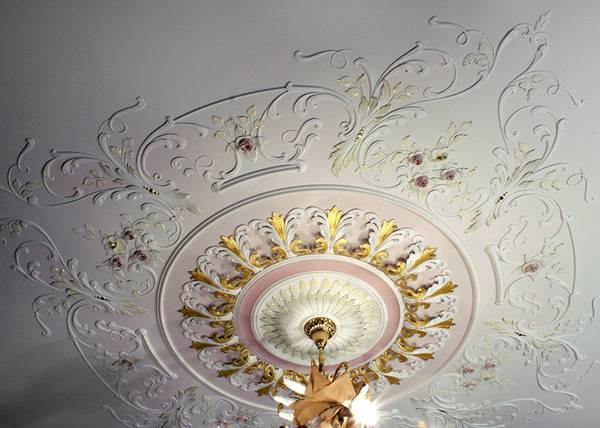 Декор потолка своими руками: идеи оформления тканью и не только, фото и др