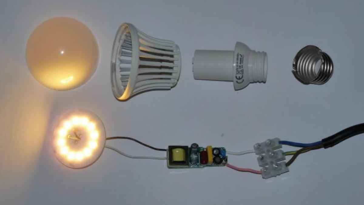 Как отремонтировать светодиодную лампу на 220 в своими руками: мигает, не работает, рекомендации