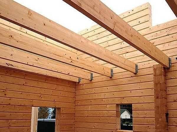 Какой потолок лучше сделать в деревянном доме?