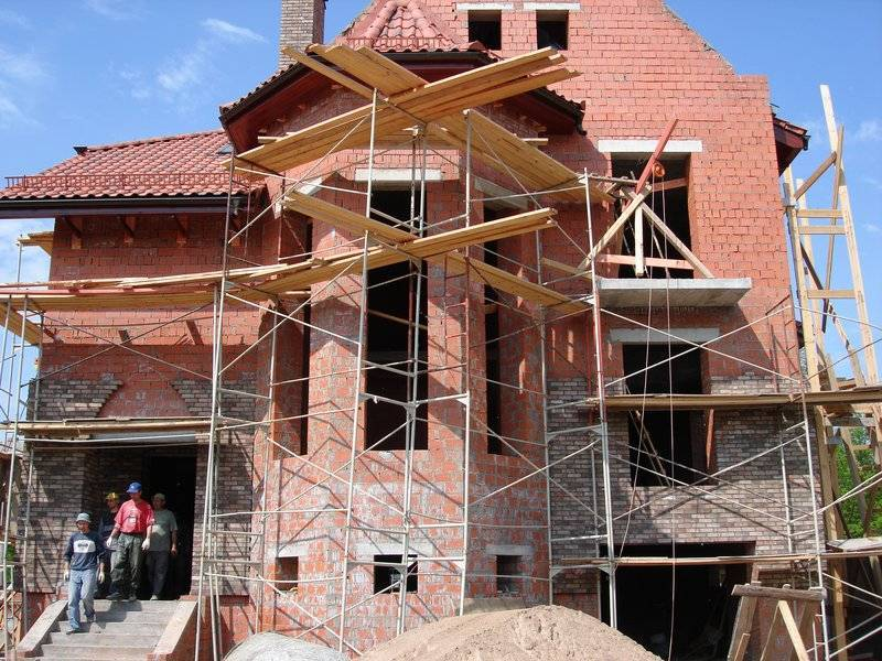 Как строить коттедж (построить дом) своими руками?
