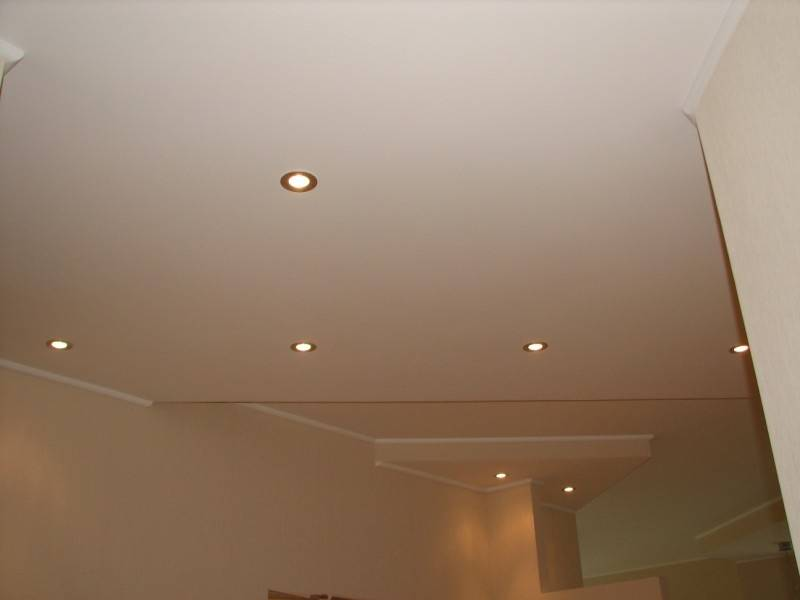 Пошаговые инструкции: как сделать освещение потолка своими руками?