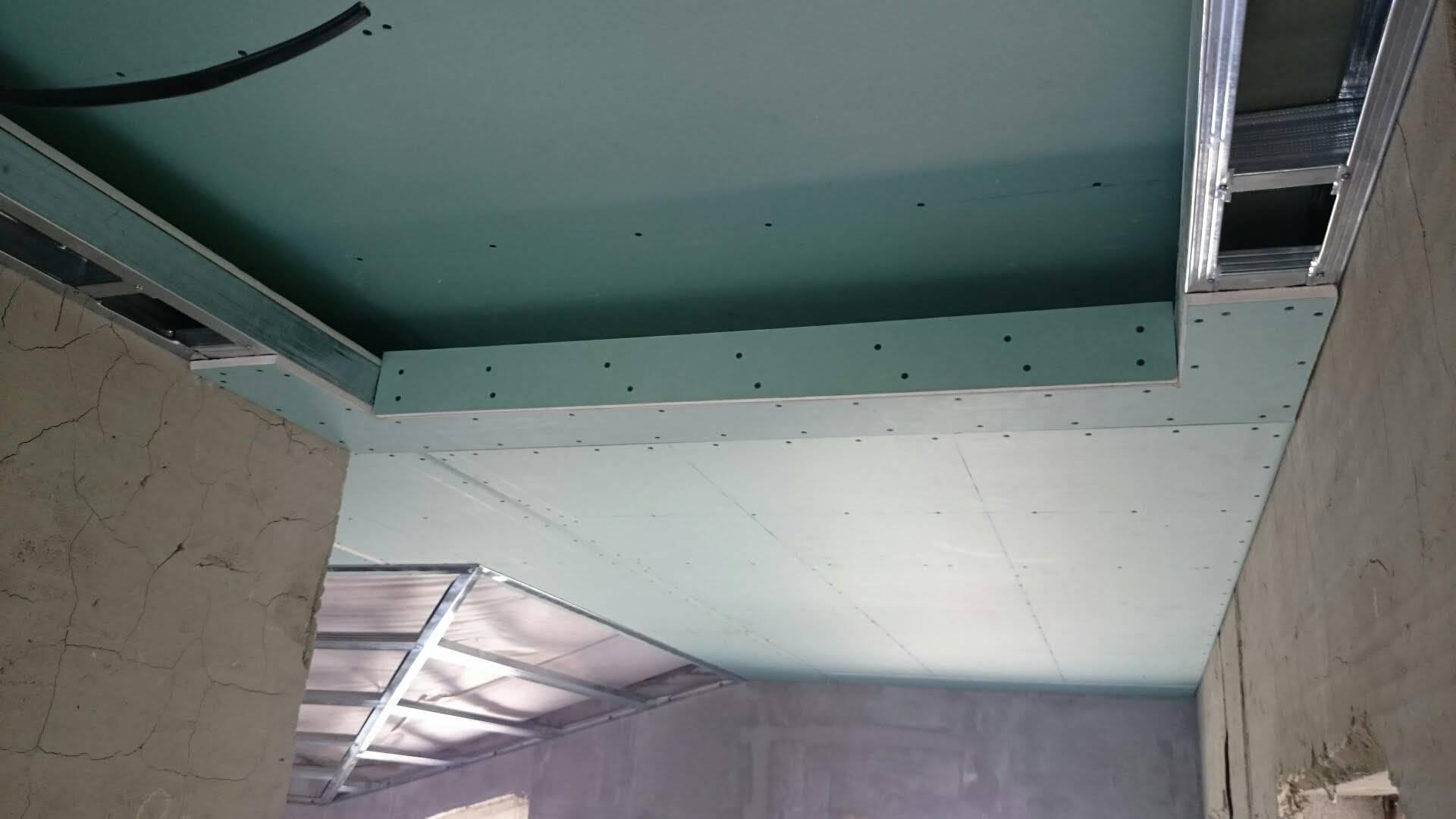 Потолок в хрущевке: разметка, установка каркаса и монтаж гипсокартонных листов